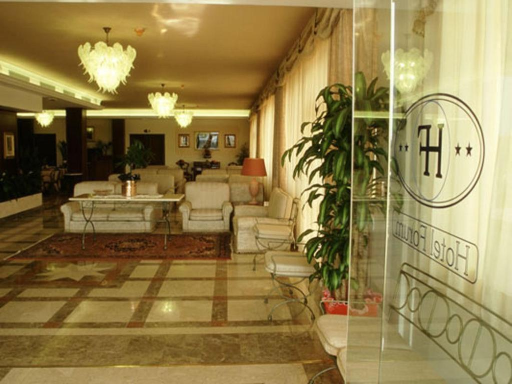 Hotel forum vanni arredamenti for Tre stelle arredamenti